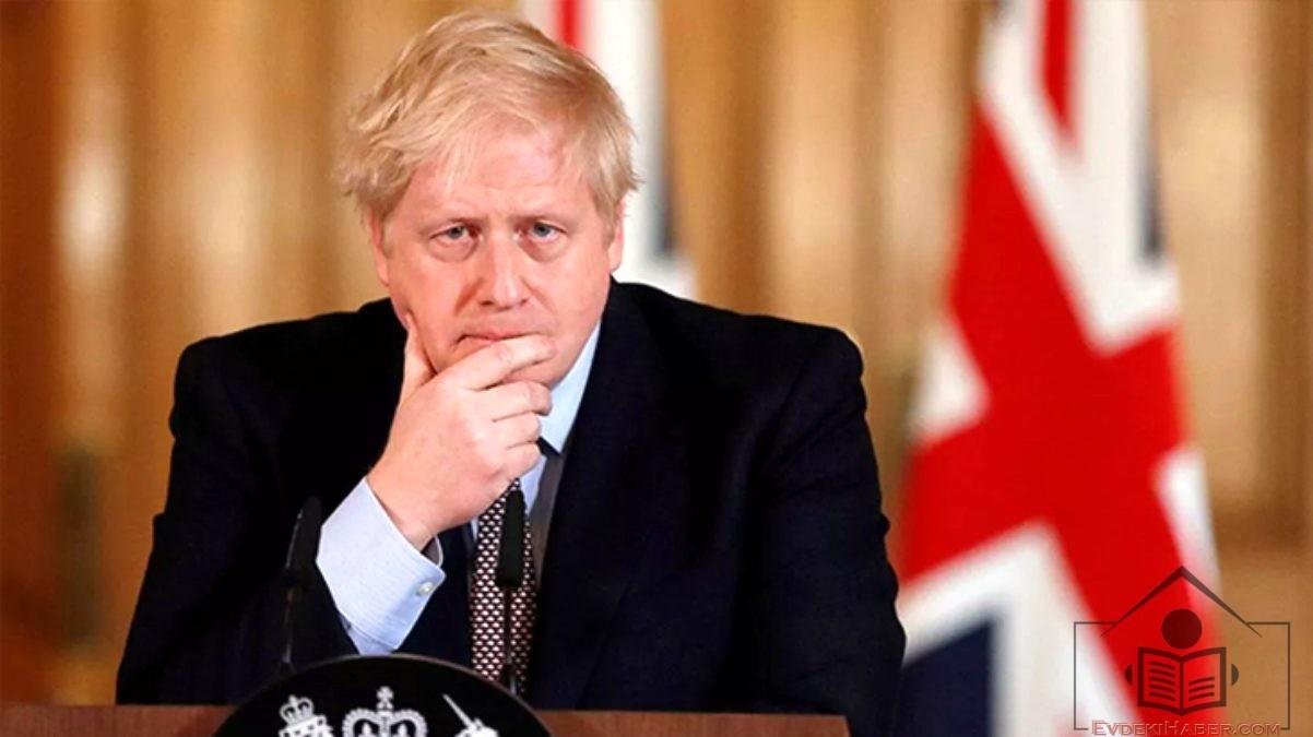 Boris Johnson Hastaneye Kaldırılırken Kraliçe Halka Hitap Ediyor