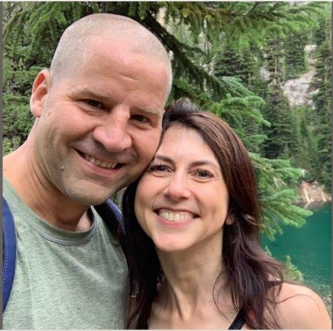 Jeff Bezos'tan Ayrıldı Fen Bilgisi Öğretmeniyle Evlendi